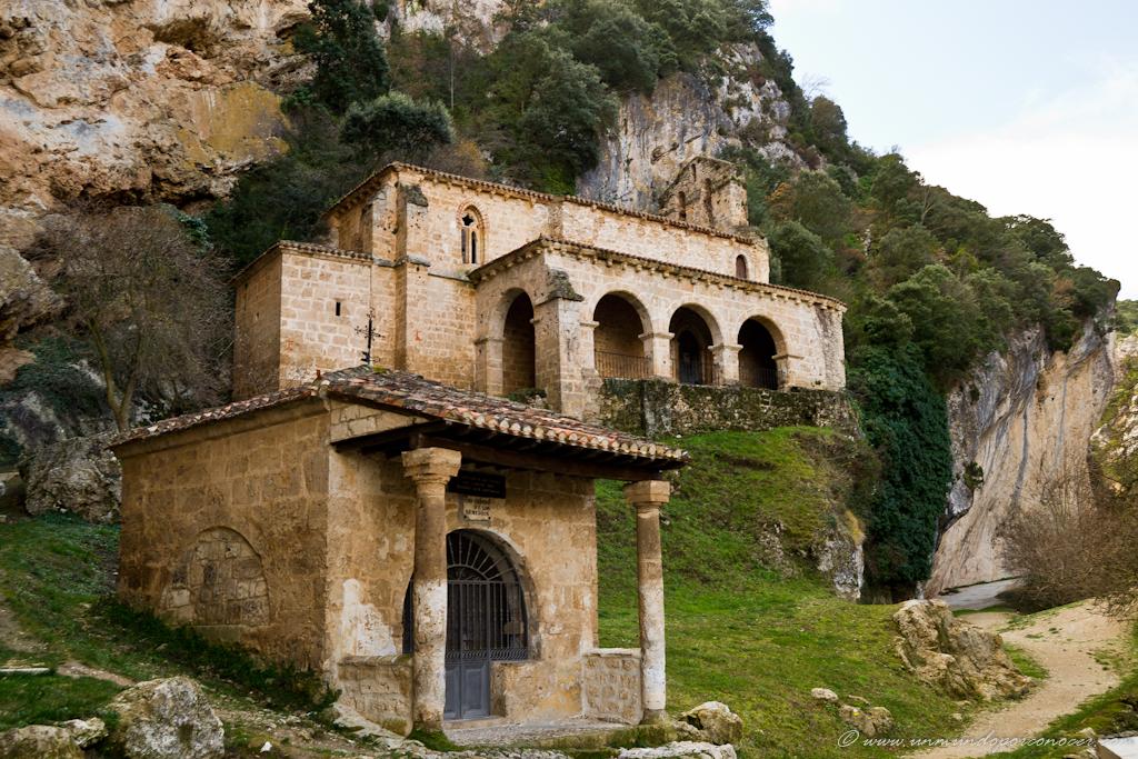 Ermita de Santa María de la Hoz en Tobera / Santa María de la La Hoz Hermitage in Tobera