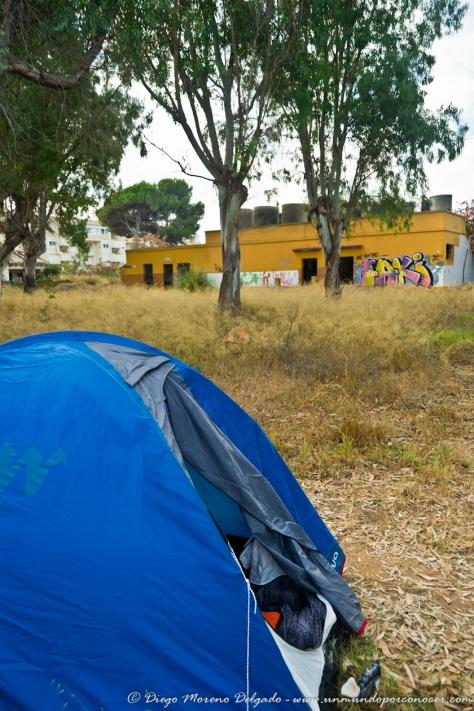 Acampados en un camping abandonado.