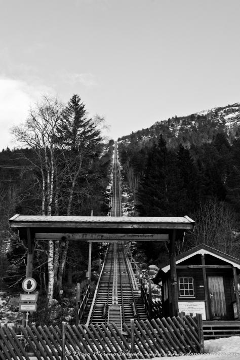 Vías por las que subimos a la montaña y que en invierno son cualquier cosa menos seguras.